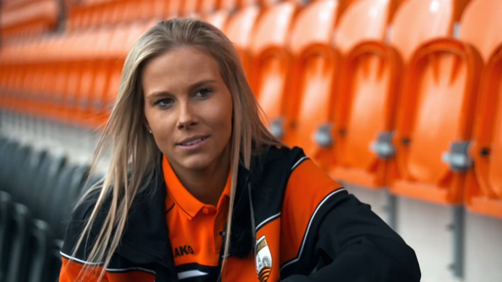 London Bees' Courtnay Ward-Chambers on mental health battle and physical struggle to regain full feeling in her leg