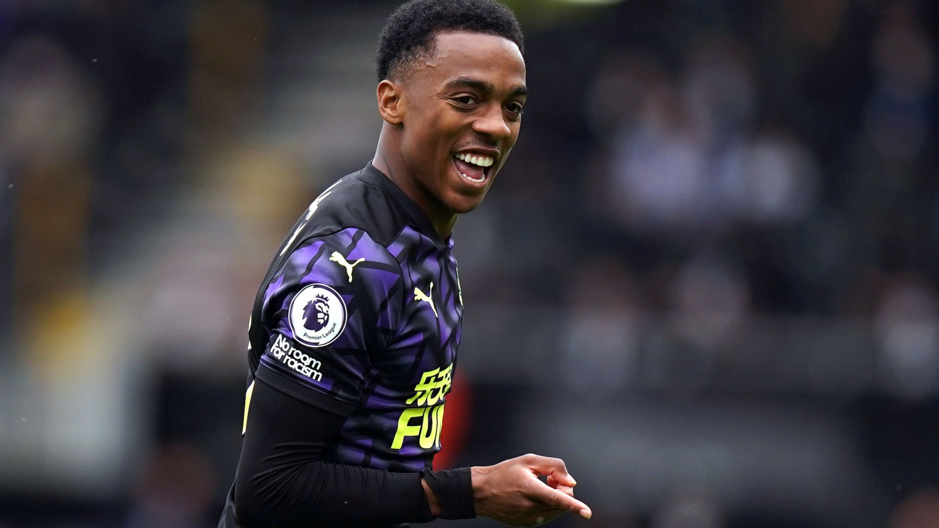 Newcastle agree personal terms with Willock