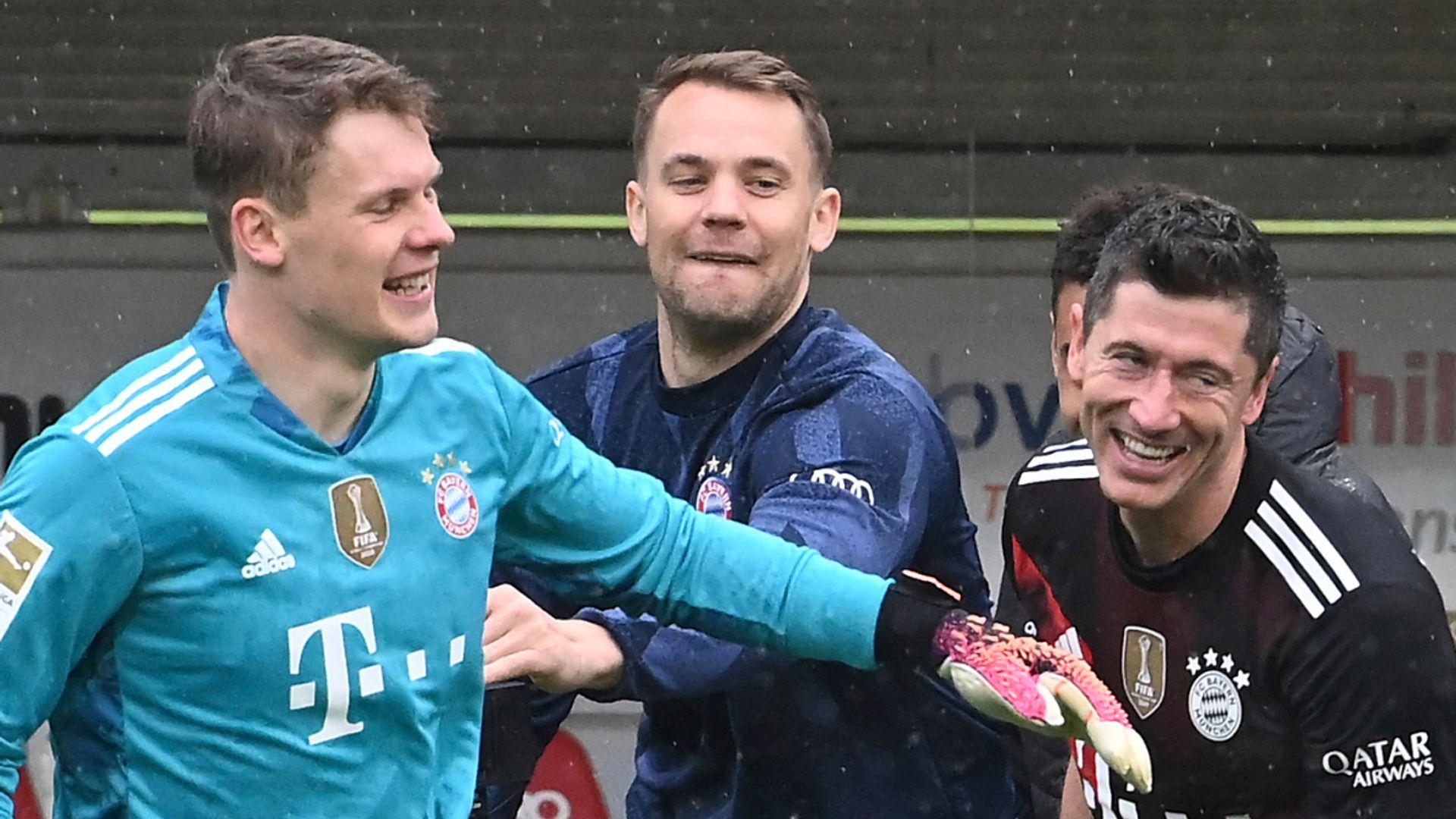 Europe: Lewandowski sets record, Dortmund handed boost