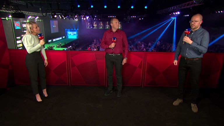 Wayne Mardle and Mark Webster review the talking points from Night 13 in the Premier League in Milton Keynes