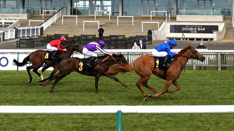 Creative Force wins the opener on 2000 Guineas day