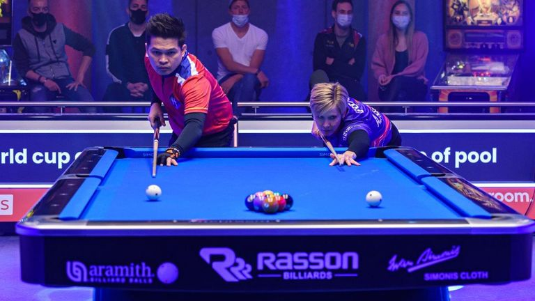 Allison Fisher competes in the lag to choose who breaks first (photo courtesy of Taka Wu/Matchroom Multi Sport)