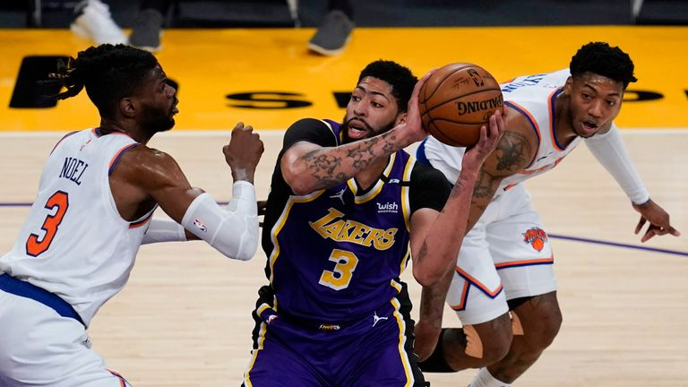 Highlights of the New York Knicks against the Los Angeles Lakers in Week 21 of the NBA.