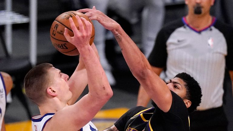 Highlights of the Denver Nuggets against the Los Angeles Lakers in Week 20 of the NBA.