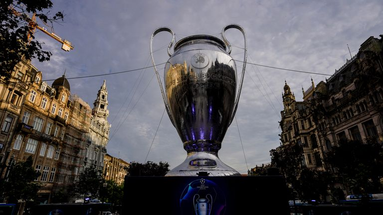 The Champions League trophy in the centre of Porto