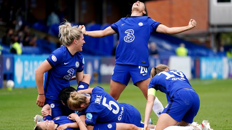 Chelsea's players celebrate victory over Bayern Munich in the Women's Champions League semi-finals