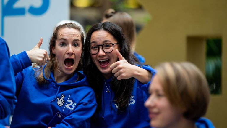 Claire Cashmore - (à gauche) aux côtés de sa compatriote star des Jeux paralympiques Alice Tai - espère participer à ses cinquièmes Jeux