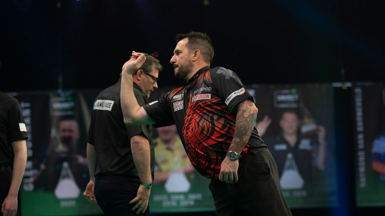 Jonny Clayton on Night 10 of the Premier League against James Wade