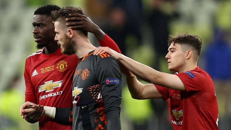 David de Gea is consoled after missing the crucial penalty
