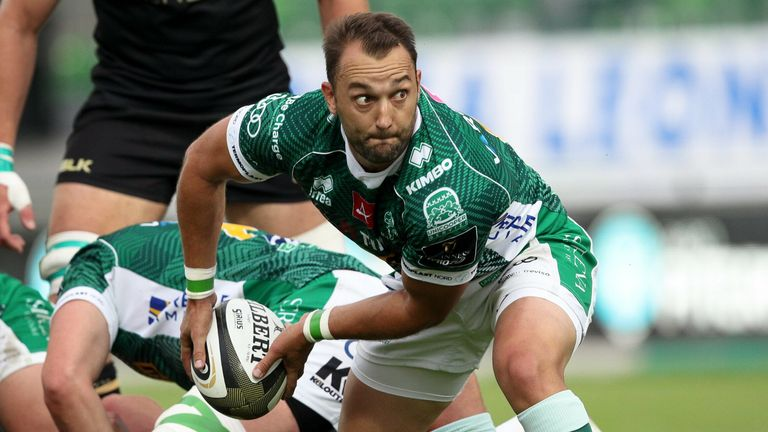 Dewaldt Duvenage and Benetton secured a vital PRO14 Rainbow Cup win over Connacht on Saturday, putting them back to the top of the table