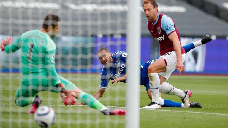 Calvert-Lewin steers in his 16th league goal