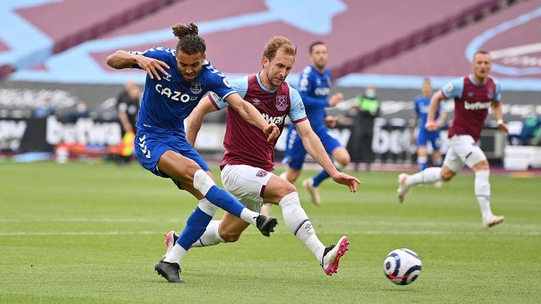 Craig Dawson fails to tackle Calvert-Lewin