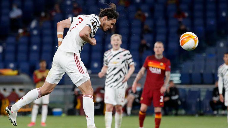 Cavani stoops to make it 2-2 on the night