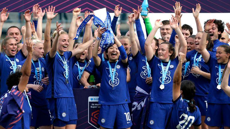 Ji So-Yun of Chelsea lifts the Barclays FA Women's Super League Trophy