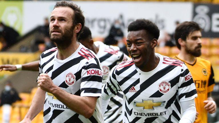 Wolves 1-2 Man Utd: Unbeaten away season for Ole Gunnar Solskjaer as Nuno  Espirito Santo's reign ends in defeat | Football News | Sky Sports