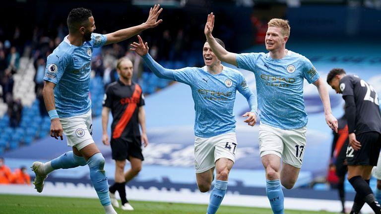 Kevin De Bruyne festeggia il suo gol (AP)