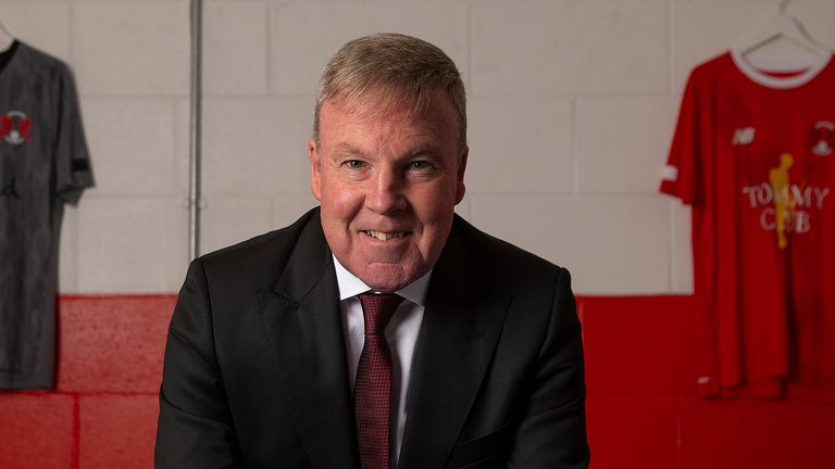 Leyton Orient have confirmed Kenny Jackett as their new manager on a one-year rolling contract