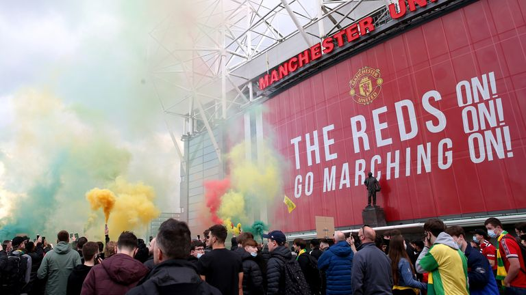 Man Utd protests: Gary Neville says club owners the Glazers to blame for fan protest | Football News