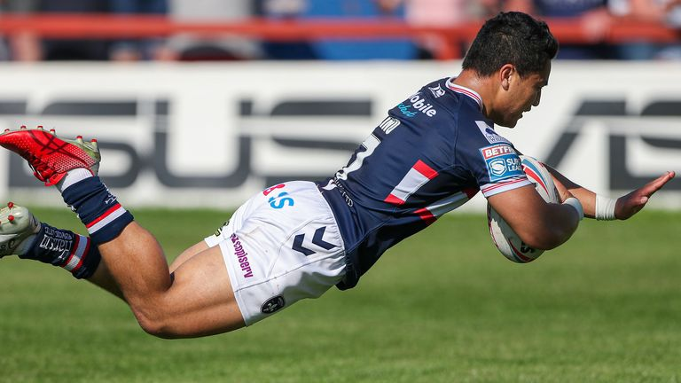 Lino, having kicked well throughout, got over for a 90-metre interception try with seven minutes left