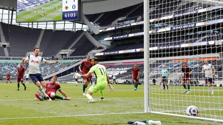Pierre-Emile Hojbjerg slots home Spurs' second