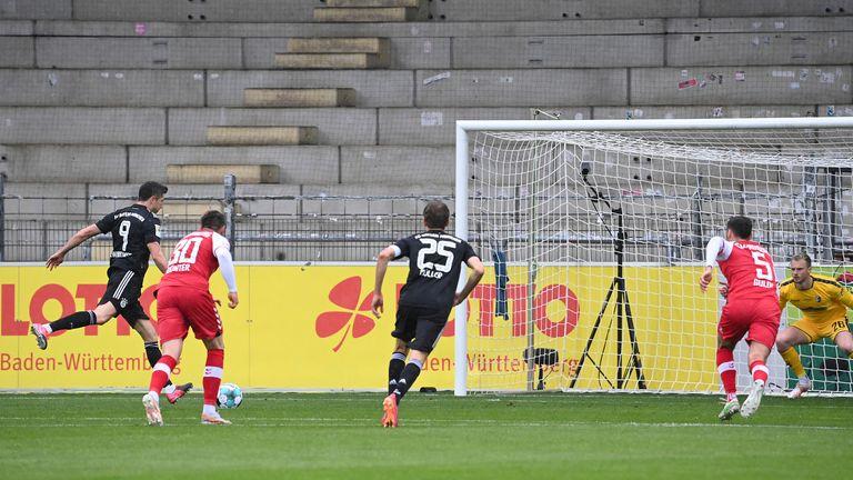 El gol de Robert Lewandowski llegó desde el punto de penalti poco antes de la media hora
