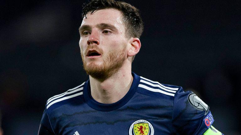 غلاسكو ، اسكتلندا - 25 مارس: آندي روبرتسون في مباراة مع اسكتلندا خلال تصفيات كأس العالم بين اسكتلندا والنمسا في هامبدن بارك ، في 25 مارس 2021 ، في غلاسكو ، اسكتلندا.  (تصوير كريج ويليامسون / مجموعة SNS)