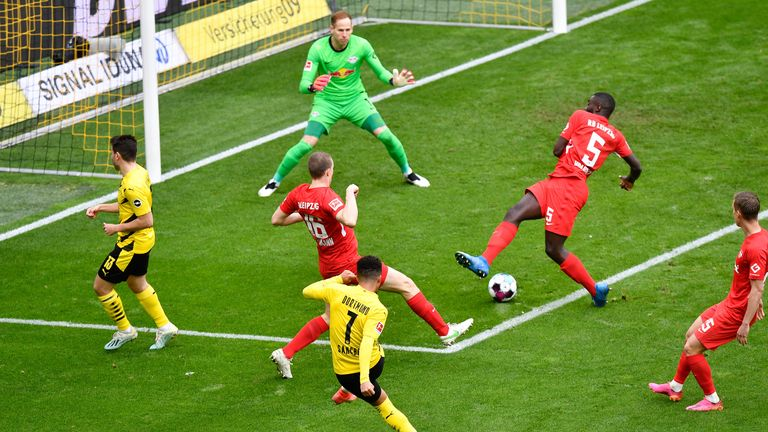 Jadon Sancho scores against RB Leipzig