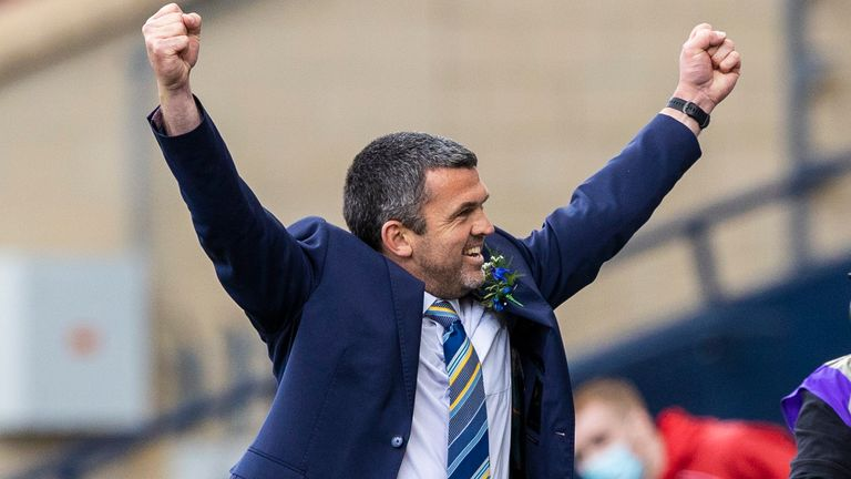 GLASGOW, SCOTLAND - MAY 22: St Johnstone manager Callum Davidson celebrates at full time during the Scottish Cup final match between Hibernian and St Johnstone at Hampden Park, on May 22, 2021, in Glasgow, Scotland. (Photo by Craig Williamson / SNS Group)