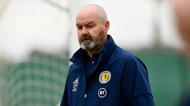 SNS - ALICANTE, SPAIN - MAY 28: Scotland Manager Steve Clarke during a Scotland training session at La Finca Resort on May 28, 2021, in Alicante, Spain (Photo by Jose Breton / SNS Group)