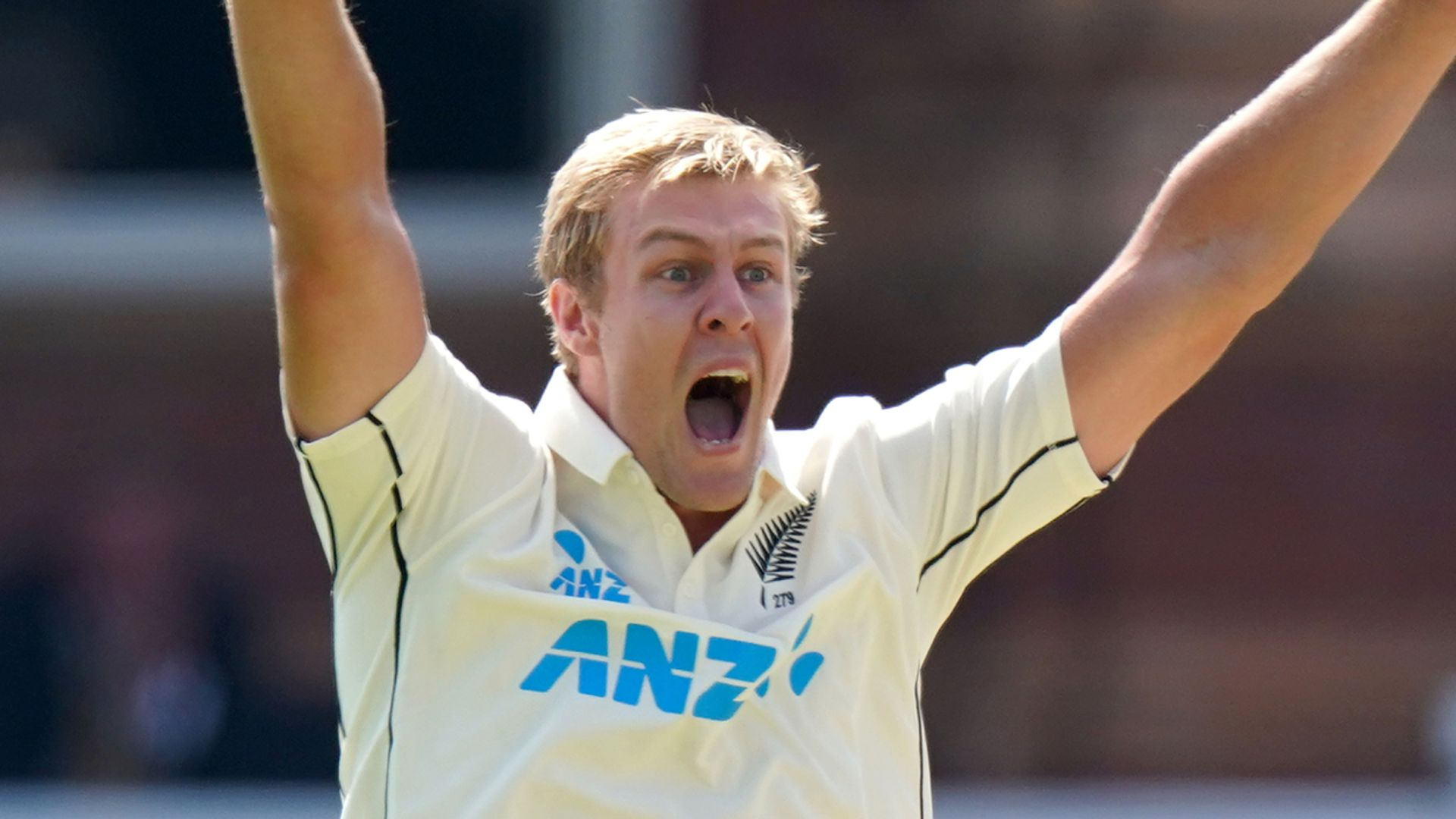 Jamieson signs for Surrey