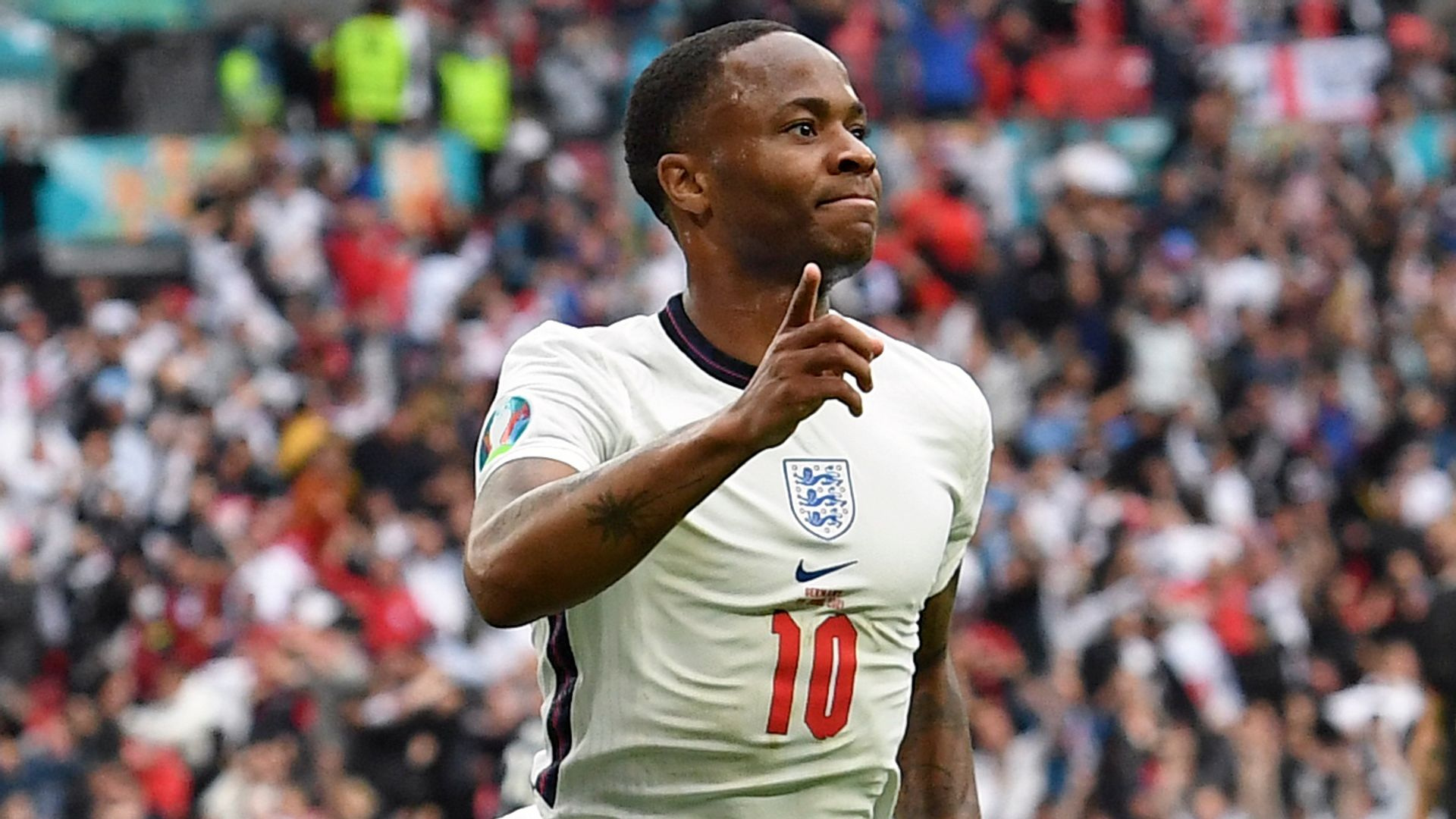 Southgate: Sterling is a fighter