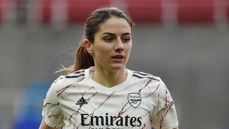 Danielle van de Donk made 142 appearances for Arsenal, scoring 45 goals, after joining from Gothenburg in November 2015