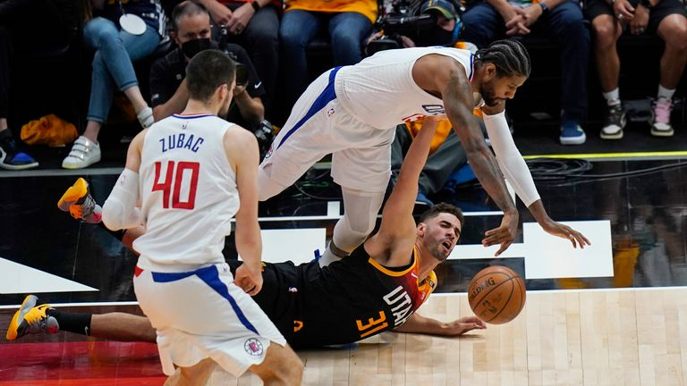 Highlights of the opening game in the Western Conference semi-finals between the Los Angeles Clippers and the Utah Jazz.