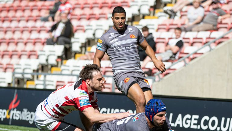 Catalans went top of the Super League table after defeating winless Leigh Centurions.