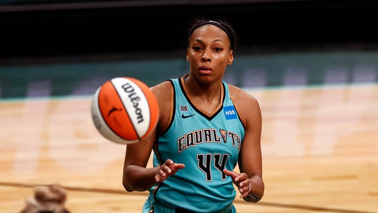 Betnijah Laney surpassed 1,000 career points as the New York Liberty recorded a 76-73 win over Los Angeles Sparks