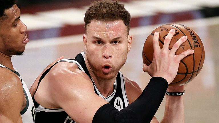 Blake Griffin bodies up with Giannis Antetokounmpo in Game 1