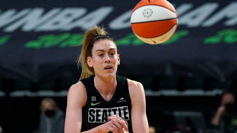 Breanna Stewart scored 28 points as Seattle Storm recorded a fifth consecutive victory in the WNBA