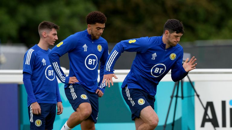 SNS - Billy Gilmour (left) and Che Adams (middle) during a Scotland training session