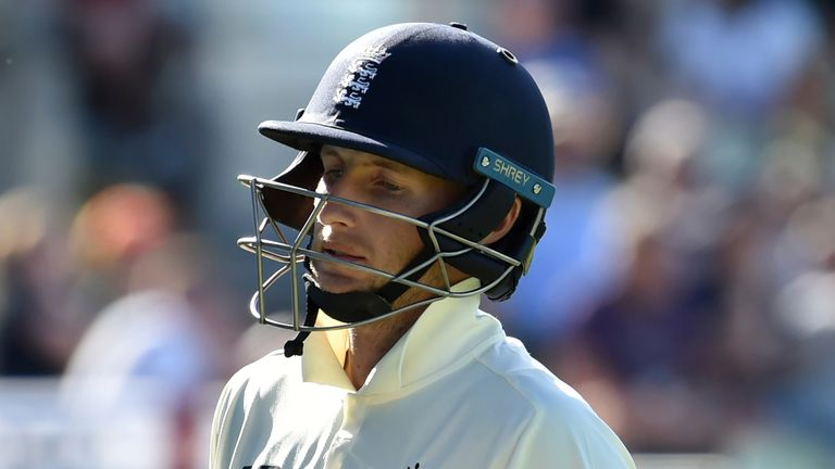 England facing defeat to New Zealand after batting crumbles in second Test at