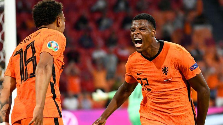 Denzel Dumfries puts Netherlands 2-0 up over Austria