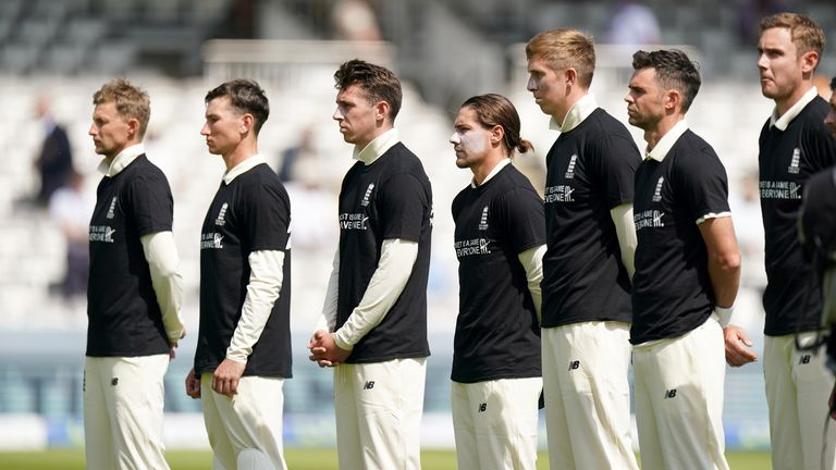 England and New Zealand cricketers share 'Moment of Unity' in fight against