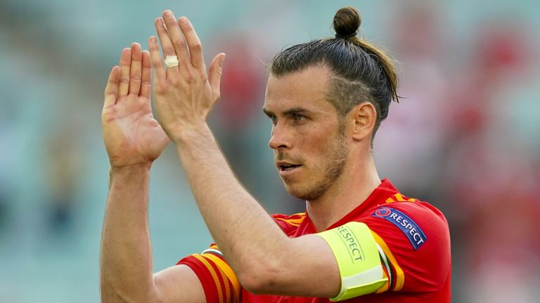 Gareth Bale believes Wales will thrive in the face of the partisan Turkish support in Baku