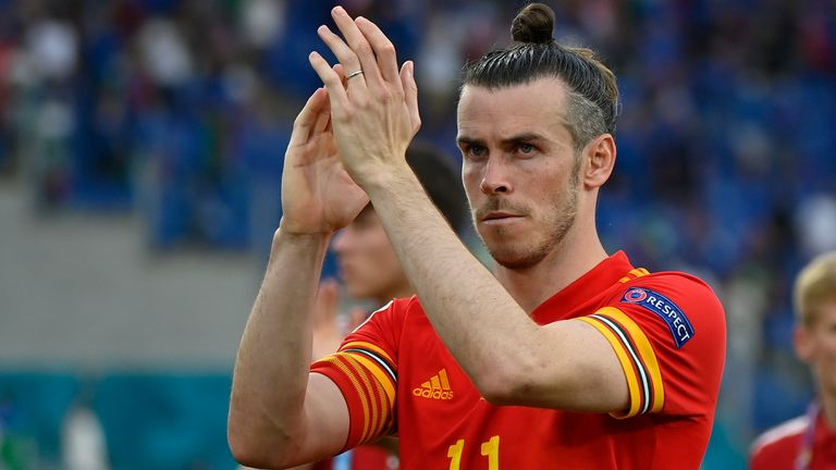 Gareth Bale applauds fans after Wales' loss to Italy
