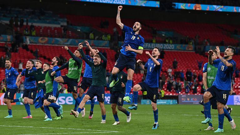 Italy players celebrate their Euro 2020 win over Austria