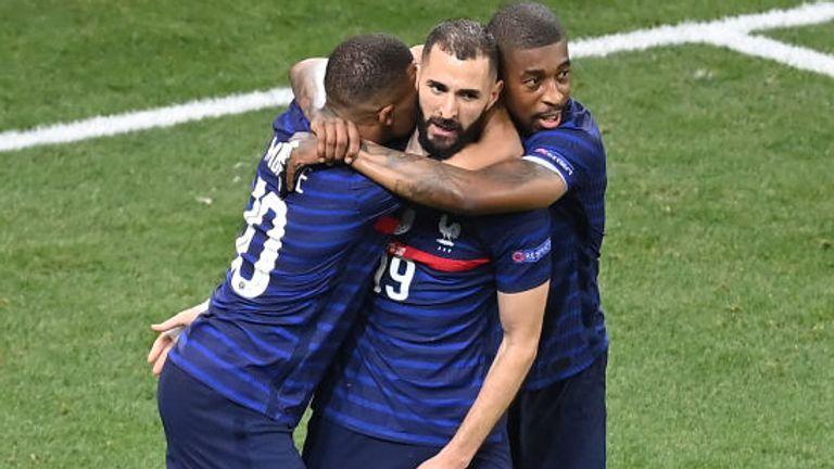Karim Benzema a marqué deux fois pour renverser la vapeur en France