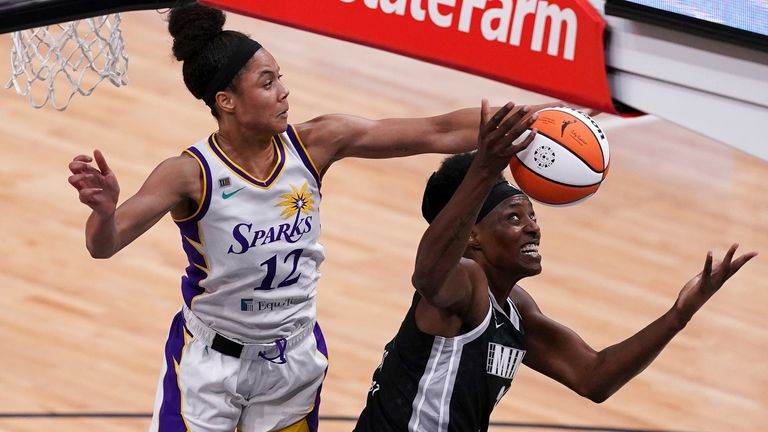 Highlights of the regular season game between the Los Angeles Sparks and the Minnesota Lynx in the WNBA.