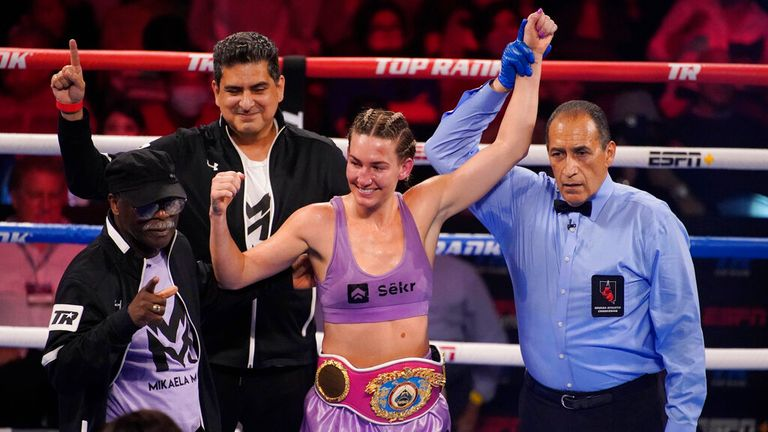 Mikaela Mayer remains unbeaten with unanimous decision victory over Erica Farias in WBO super featherweight title defense |  Boxing News