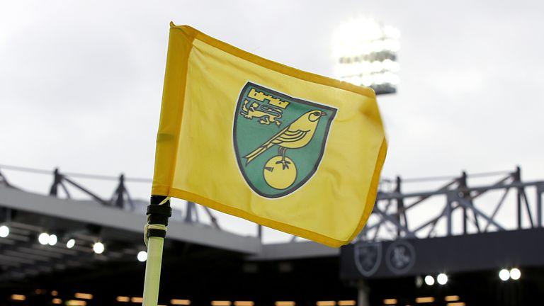 PA - Norwich corner flag gv