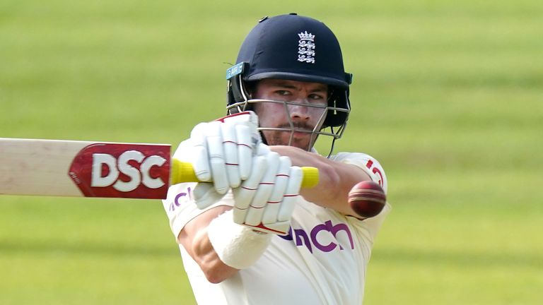 Burns made the most of a couple of chances to reach his third Test hundred