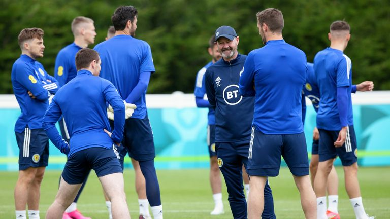 SNS - Steve Clarke oversees a Scotland training session